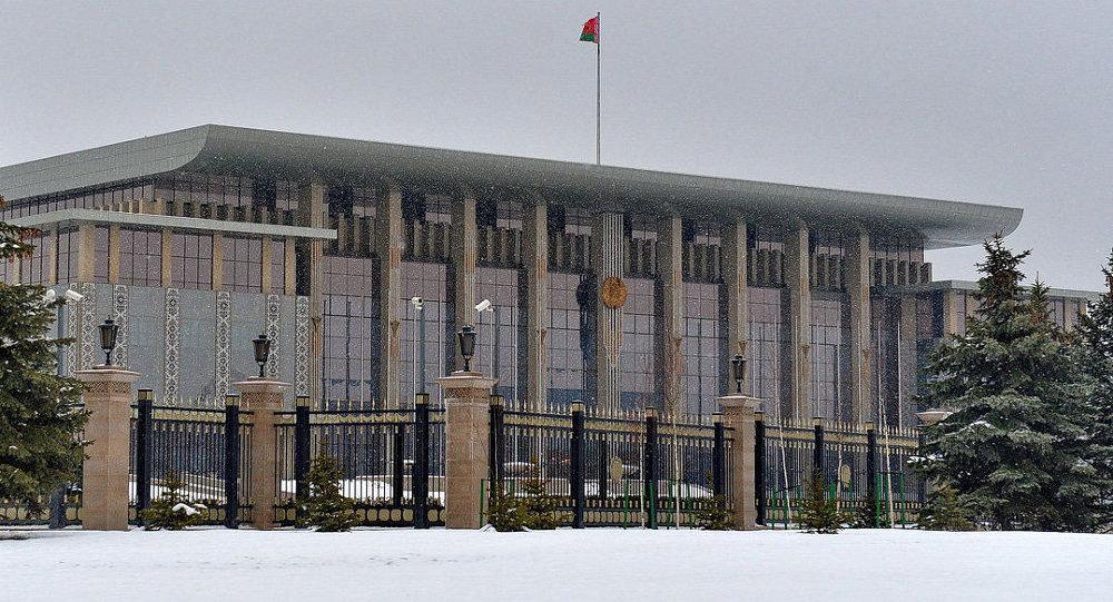 Лукашенко проводит встречу с Президентом Международной федерации хоккея Рене Фазелем