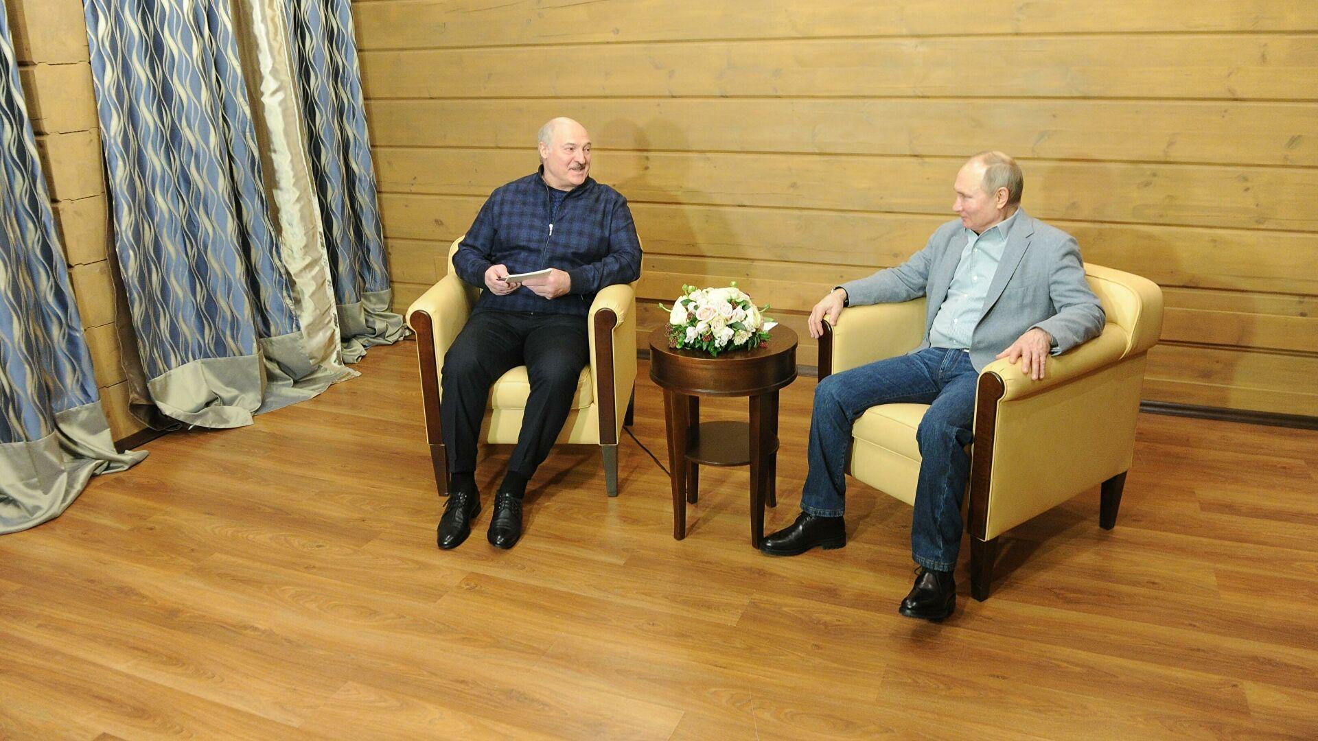 Президент поблагодарил Путина за возможность гражданам Беларуси обучаться в России
