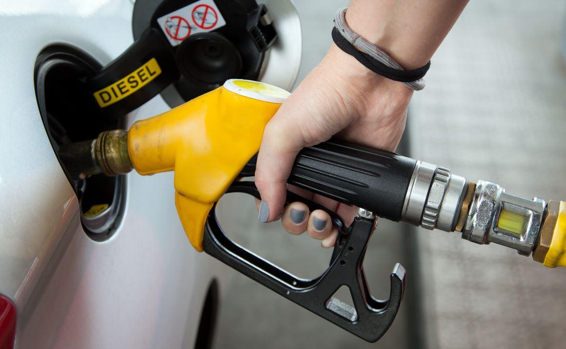 """""""Белнефтихим"""" увеличил стоимость автомобильного топлива"""