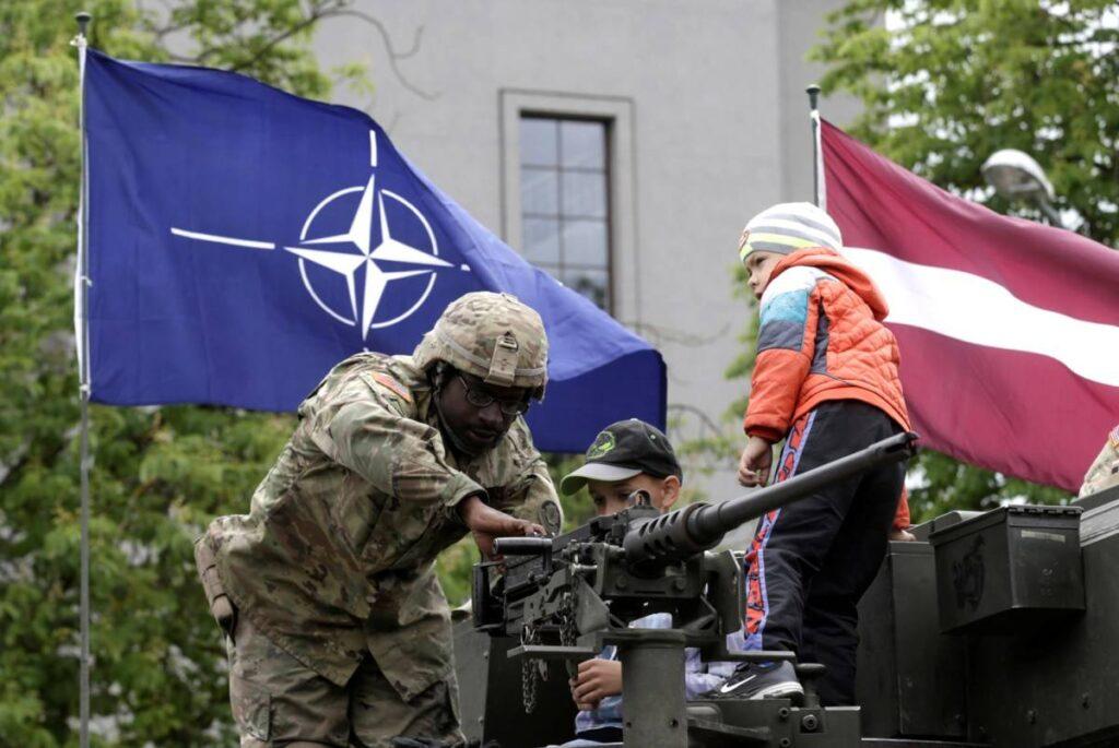 Усиление присутствия НАТО в Прибалтике и Польше - это расширение возможностей для наступления