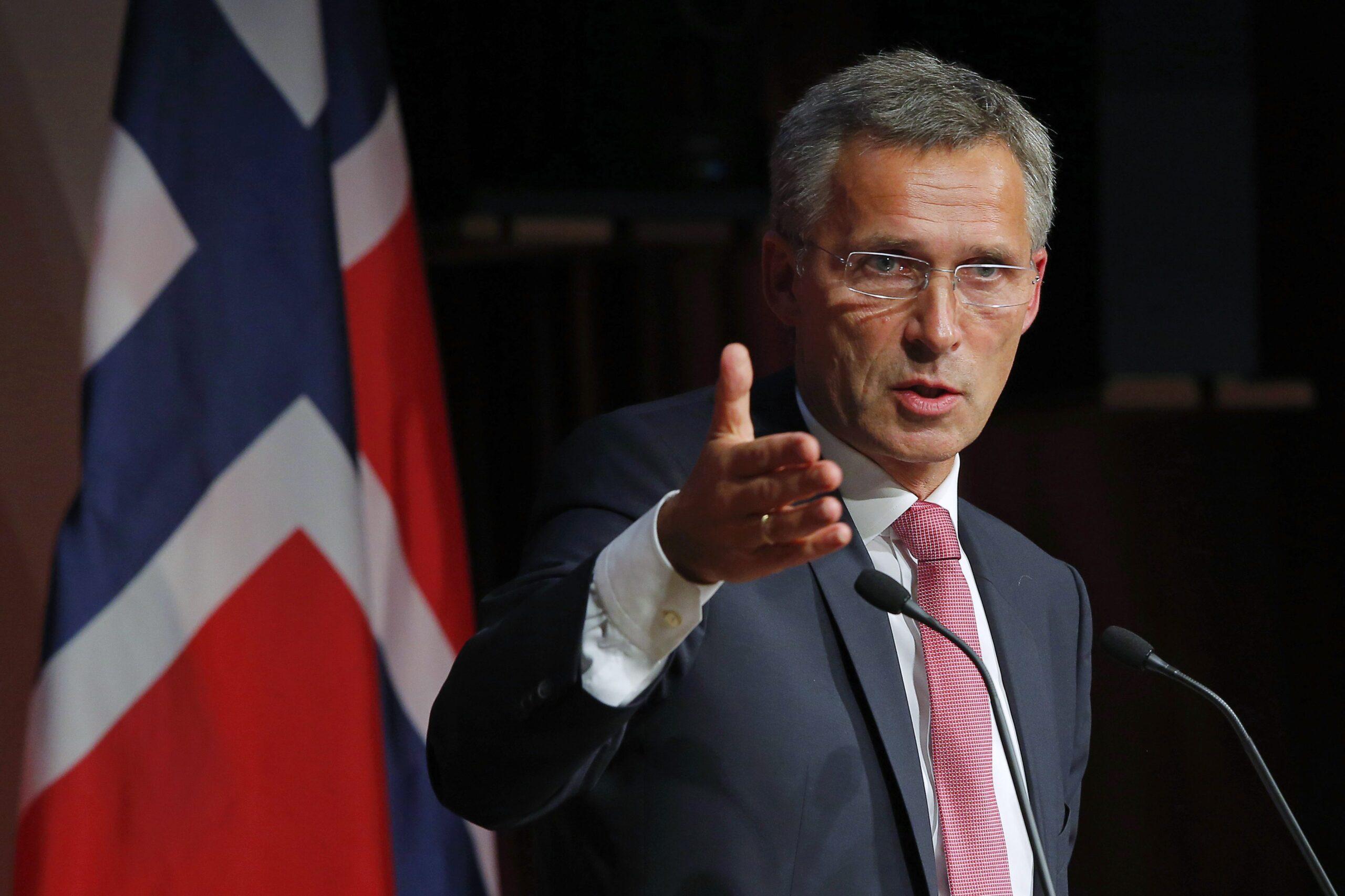 В НАТО давят на украинское прошлое с Крымом