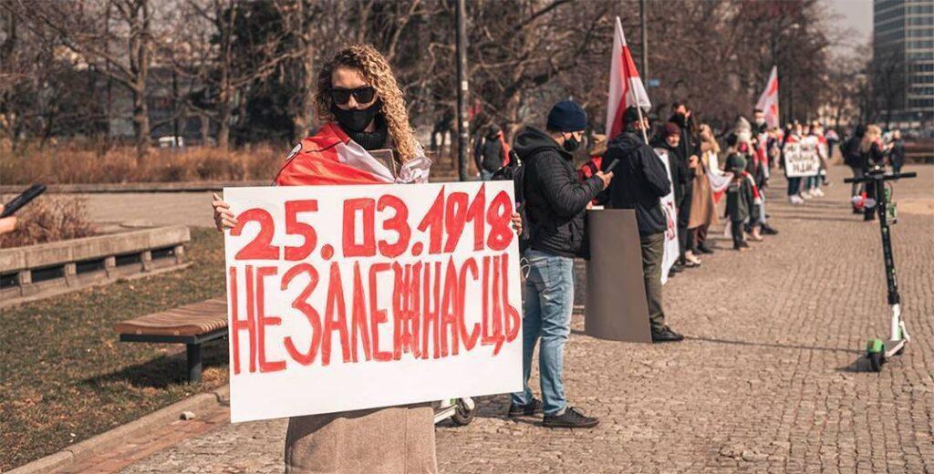 Оппозиция пыталась развалить Беларусь, но спровоцировала масштабную национальную мобилизацию