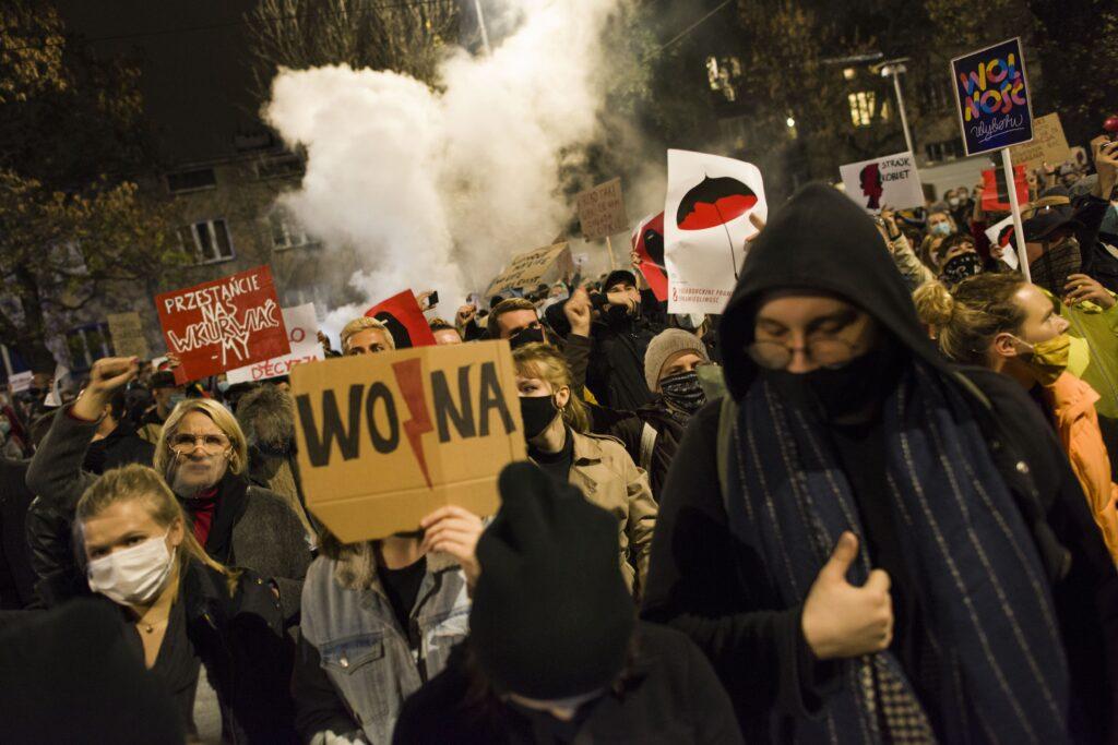 """Польша продолжает уверенно терять позиции в рейтинге """"Freedom House и """"Heritage"""", но Вашингтон этого не замечает"""