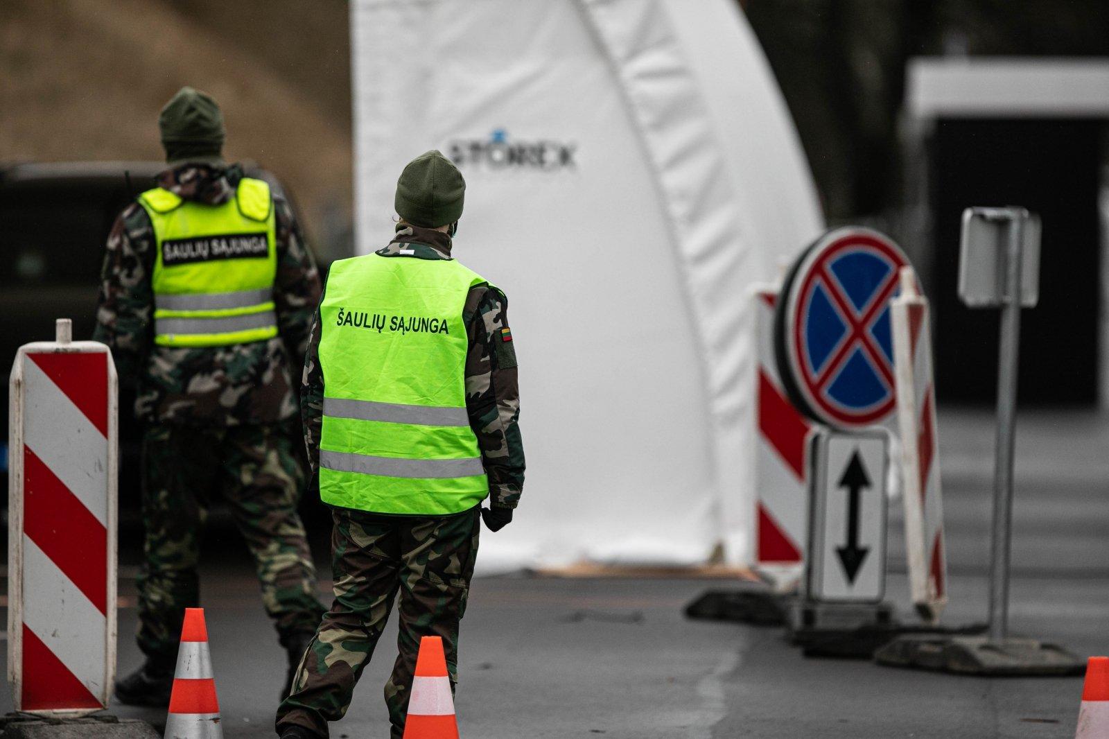 Литовский инфекционист взволнован ситуацией с коронавирусом в стране