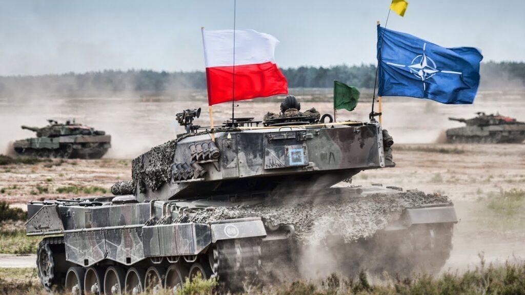 """Польша продолжает наращивать военную мощь, оправдывая свою агрессию """"российской угрозой"""""""
