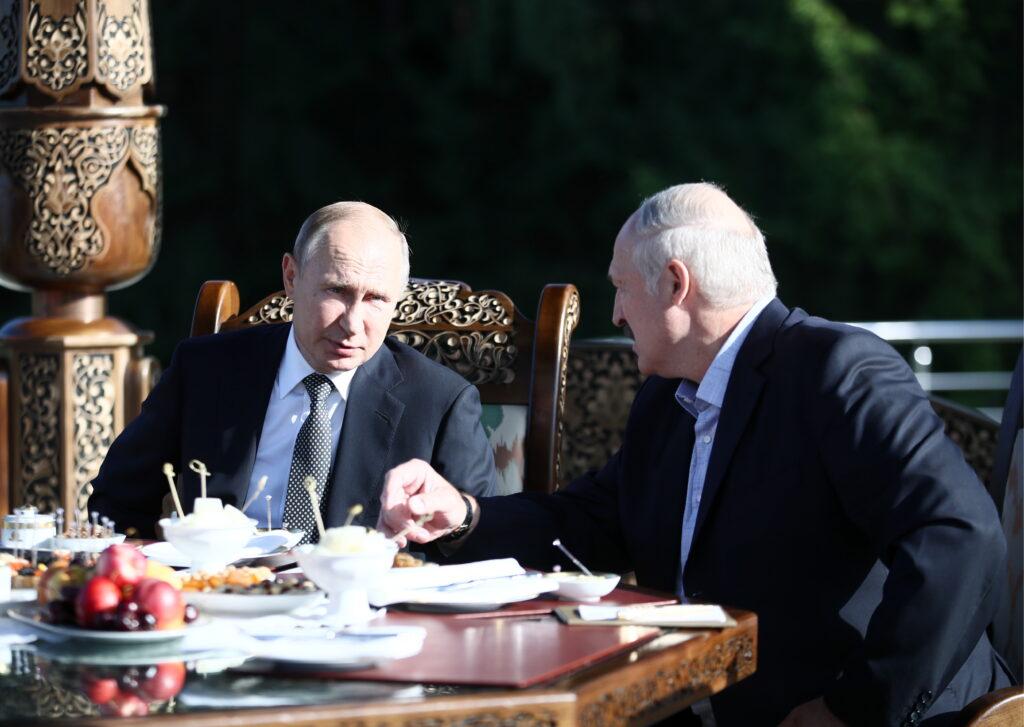 Принципиальное решение и встреча с Путиным: что задумал Александр Лукашенко?