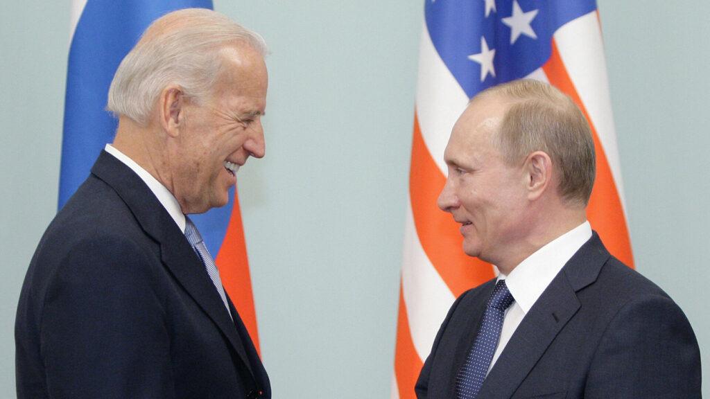 Польские политики устроили истерику на фоне предстоящей встречи Байдена и Путина