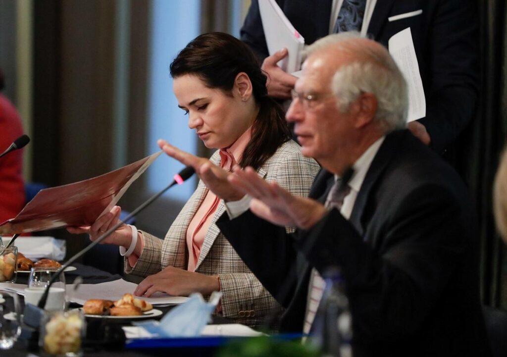 Тихановская благодарит Евросоюз за санкции и обещает провести новые президентские выборы