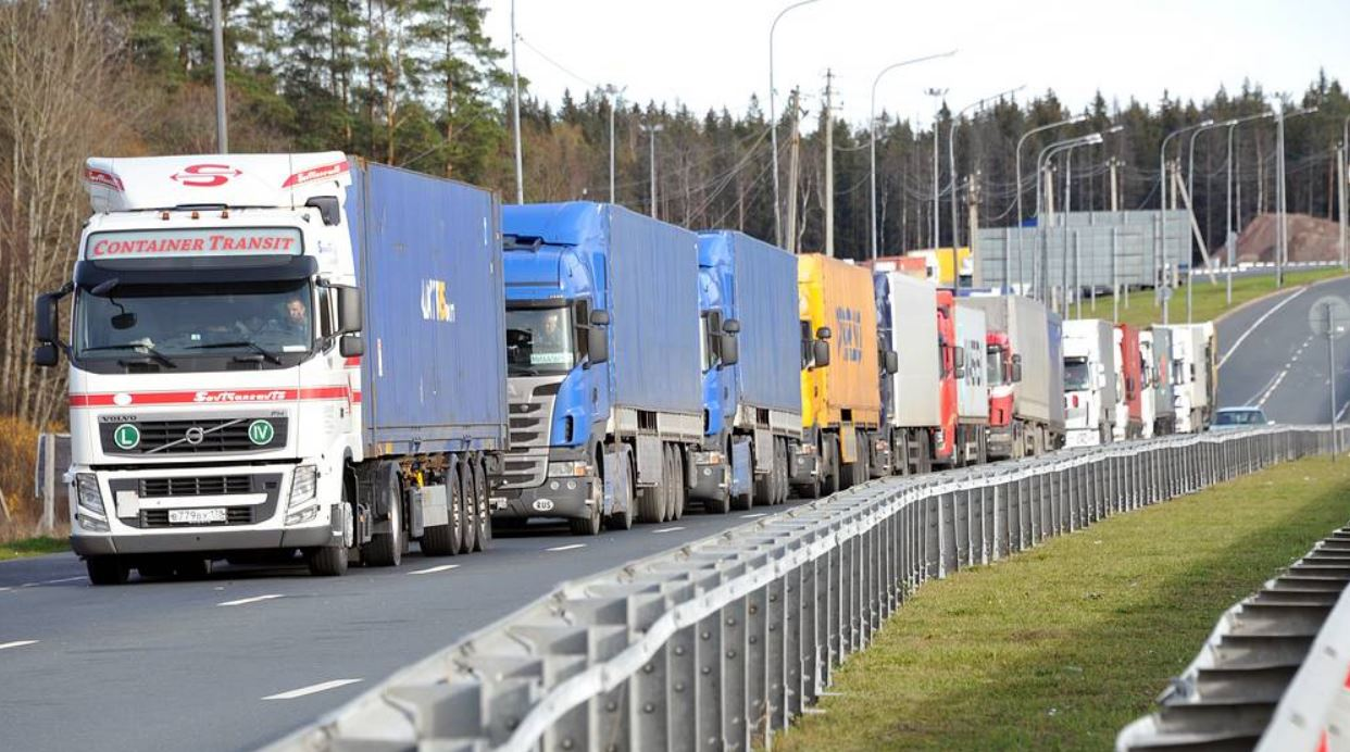 На границе Беларуси с ЕС находится более 1,3 тыс. фур