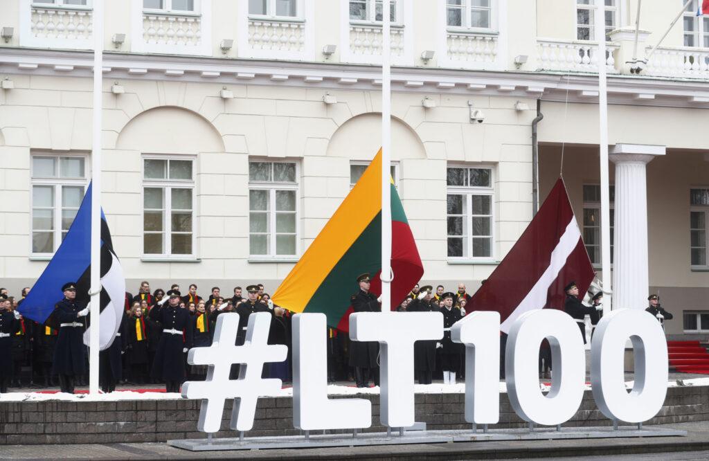 Страны Балтии обменяли свою независимость на ложные цели, красивые обещания и американские деньги