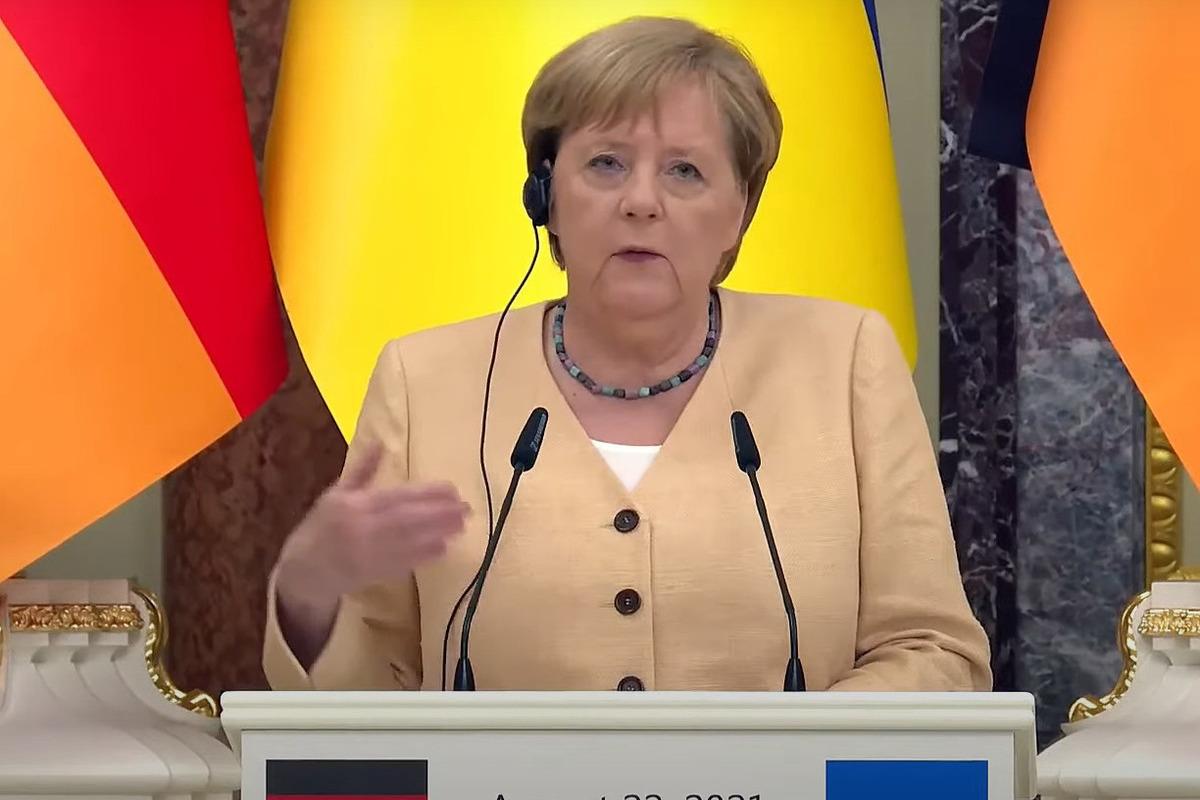 Меркель попросила Россию не использовать газовые поставки «как оружие»