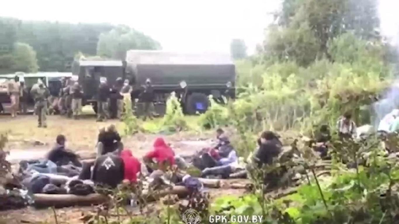 Госпогранкомитет РБ: Польша продолжает насильно выгонять нелегальных мигрантов в Беларусь