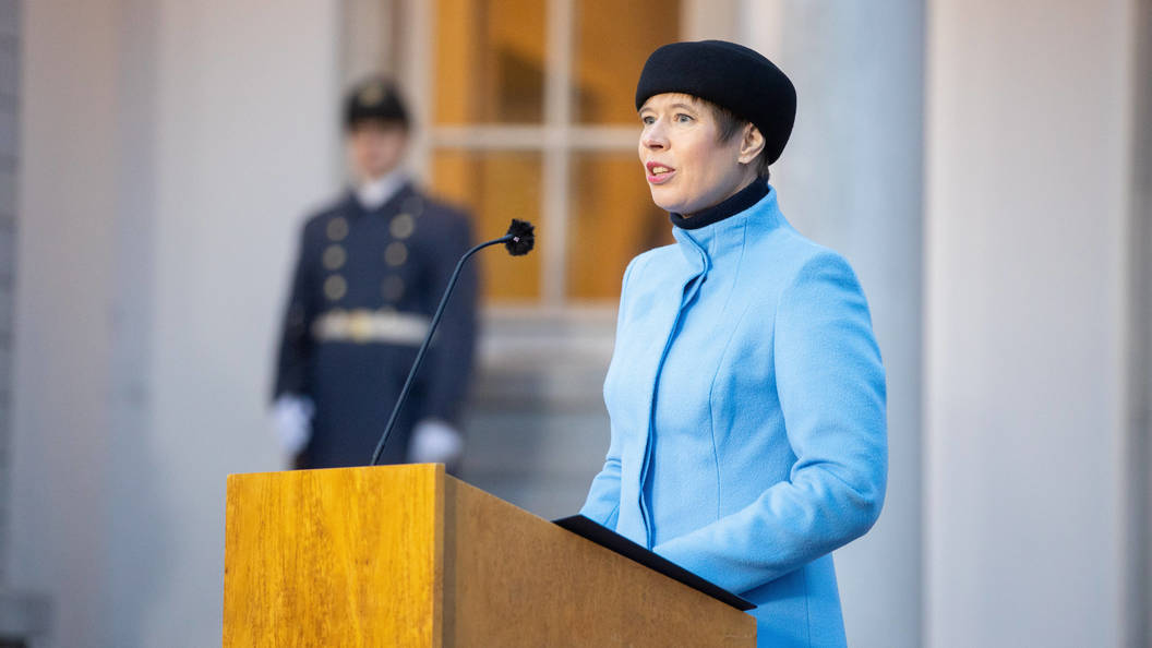 Несмотря на минное поле они бежали в Крым. Президент Эстонии рассказала историю о минах на границе Украины с Крымом