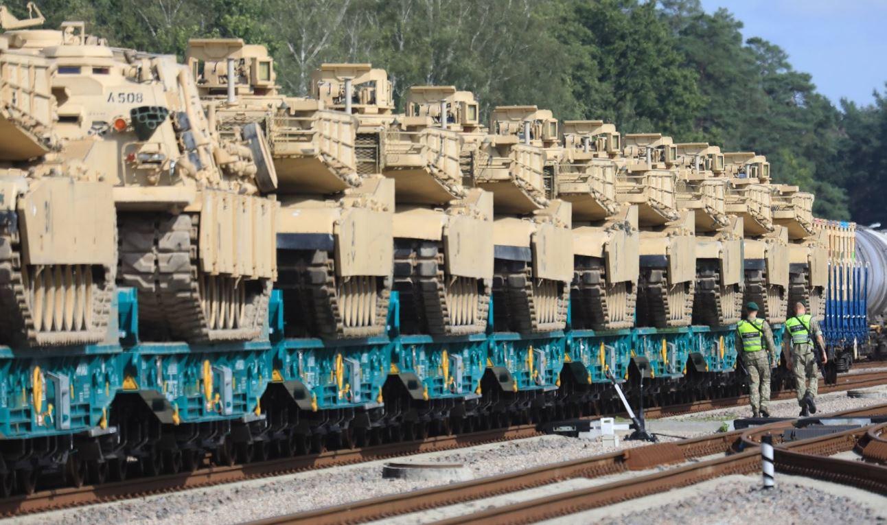 Власти Польши намерены разместить более 200 танков на восточных границах