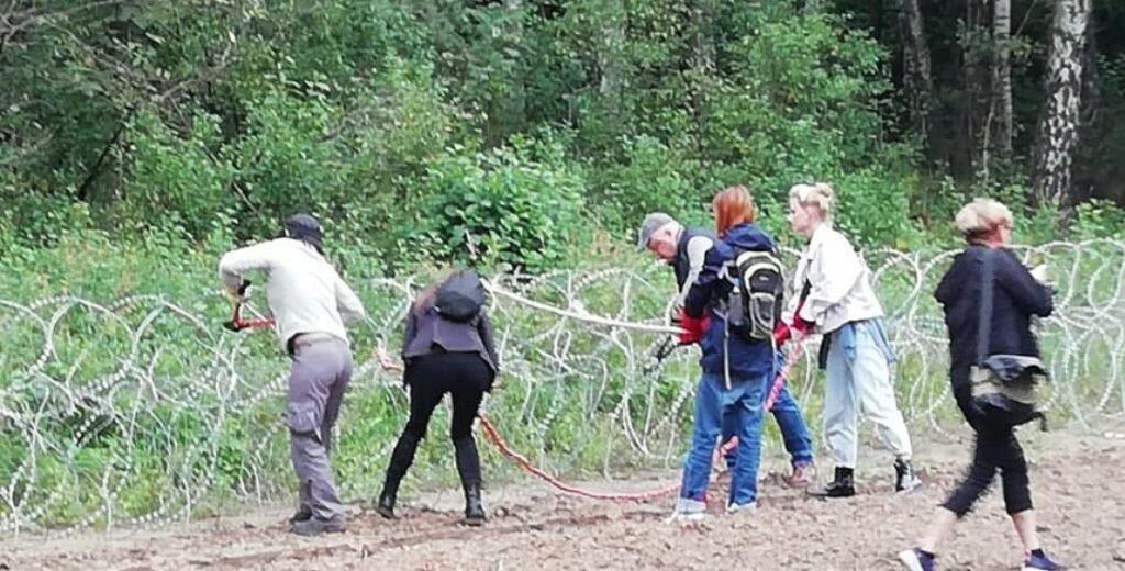Режим чрезвычайного положения в Польше направлен на подавление гражданских свобод и удержание власти