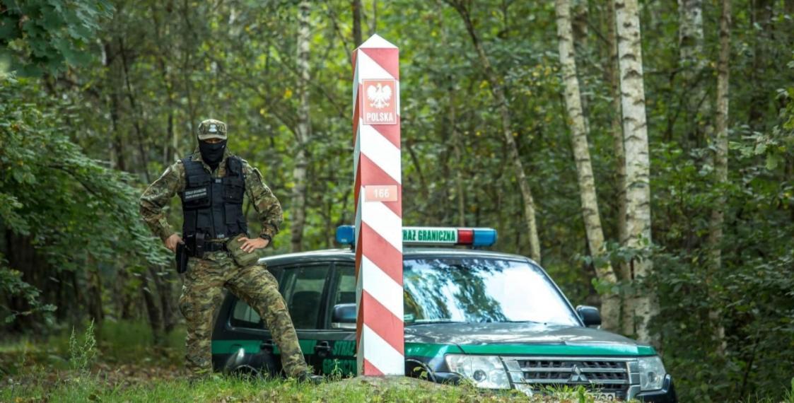 Польские пограничники продолжают выгонять нелегальных мигрантов со своей территории