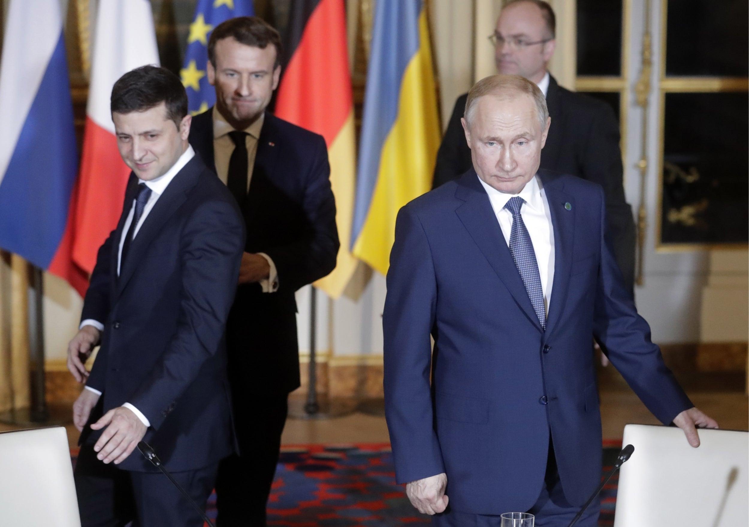 Кремль направил Киеву предложение провести встречу Путина и Зеленского - российские СМИ